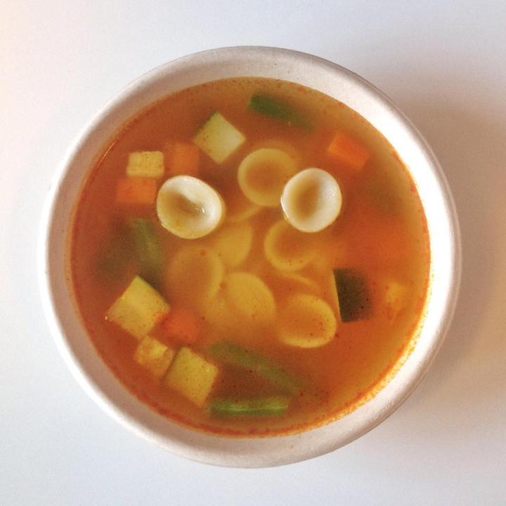 warzywna zupa minestrone zmakaronem orecchiette
